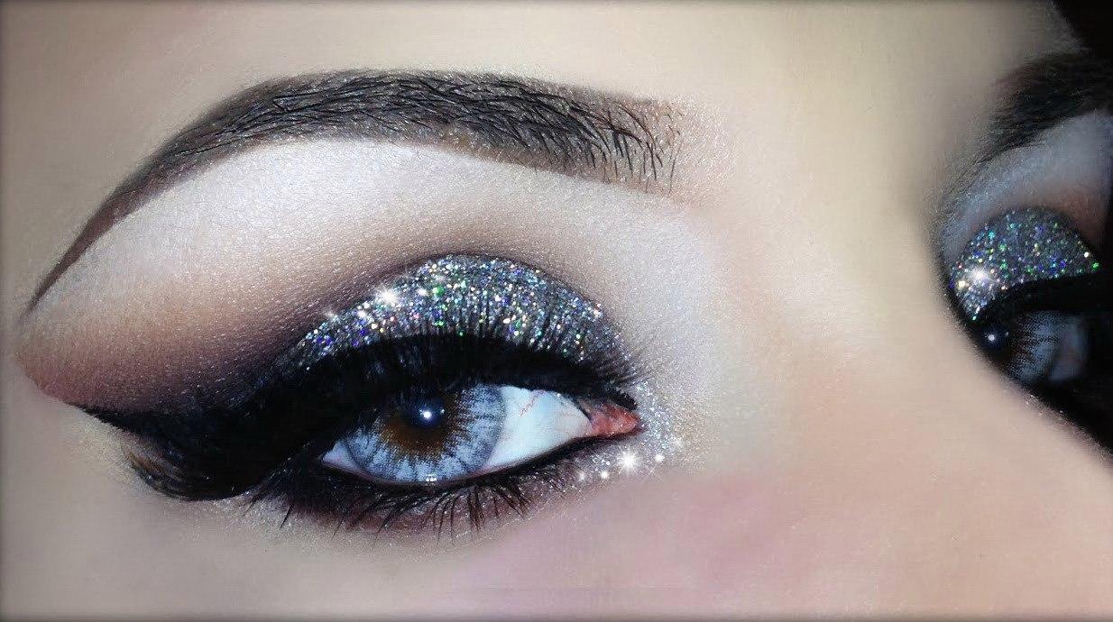 Come applicare correttamente l'eyeliner: varietà, colori, segreti del trucco