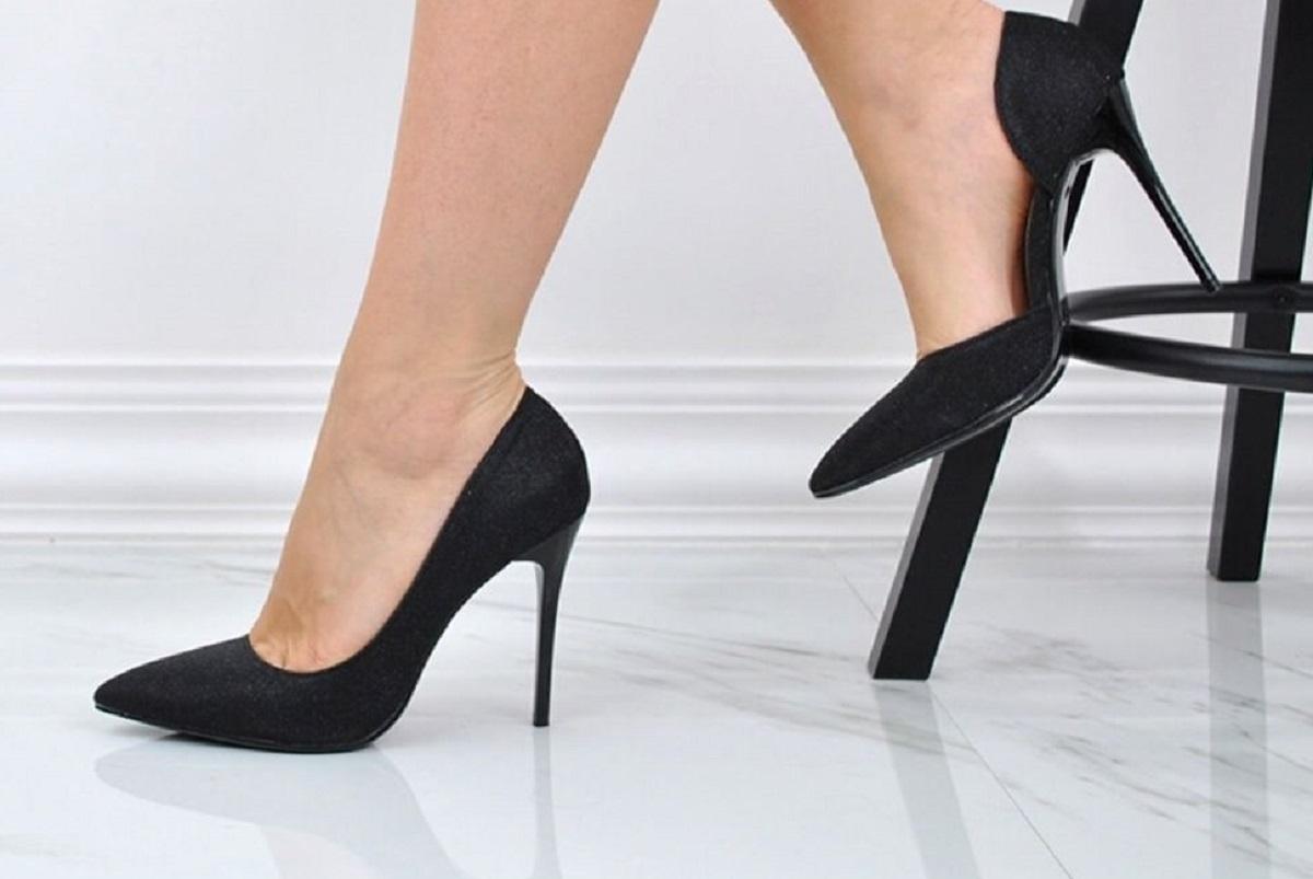 come rendere comode le scarpe con il tacco