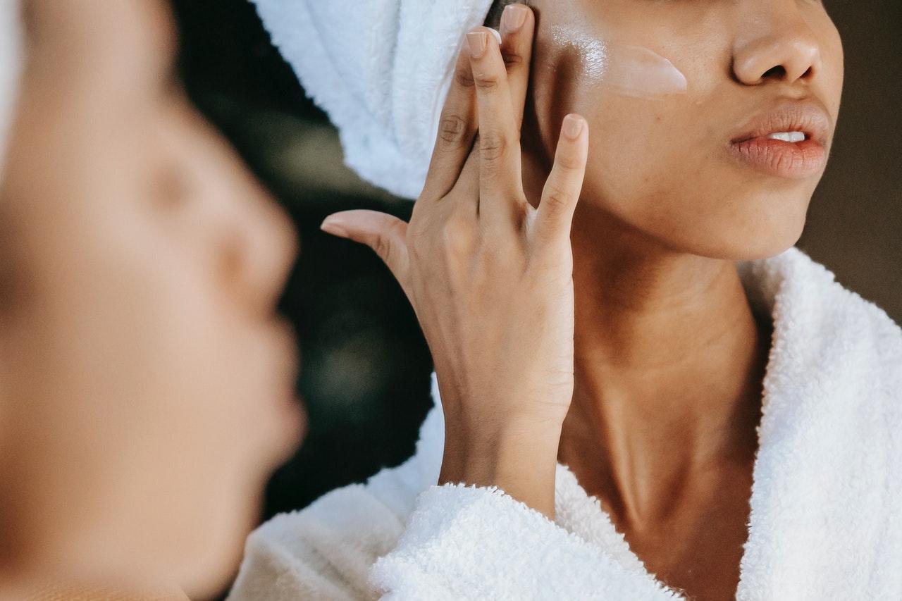 cura del viso beauty routine