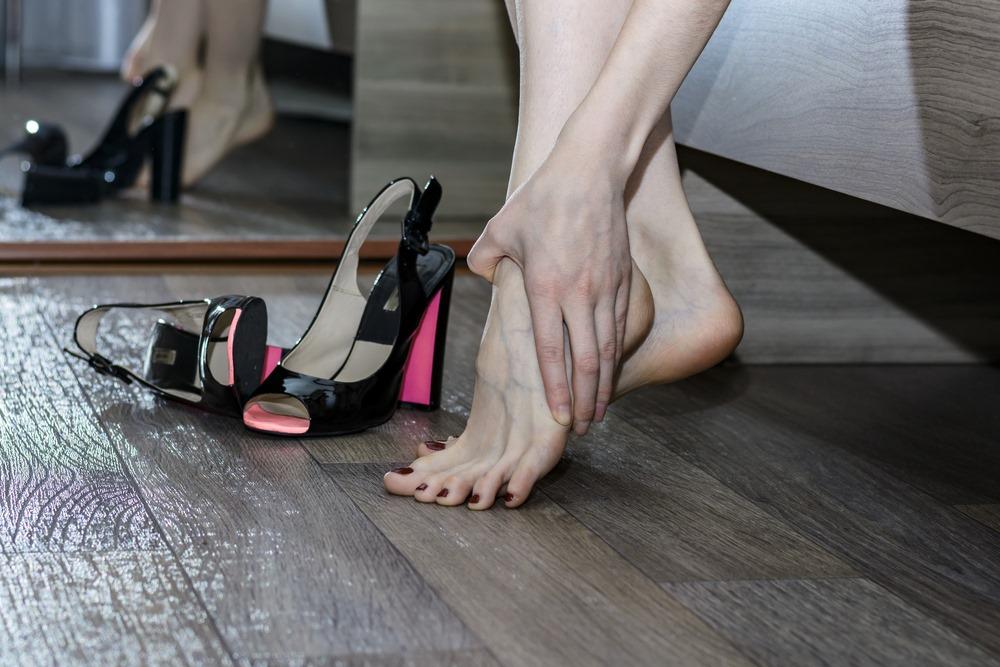 scarpe tacco dolore