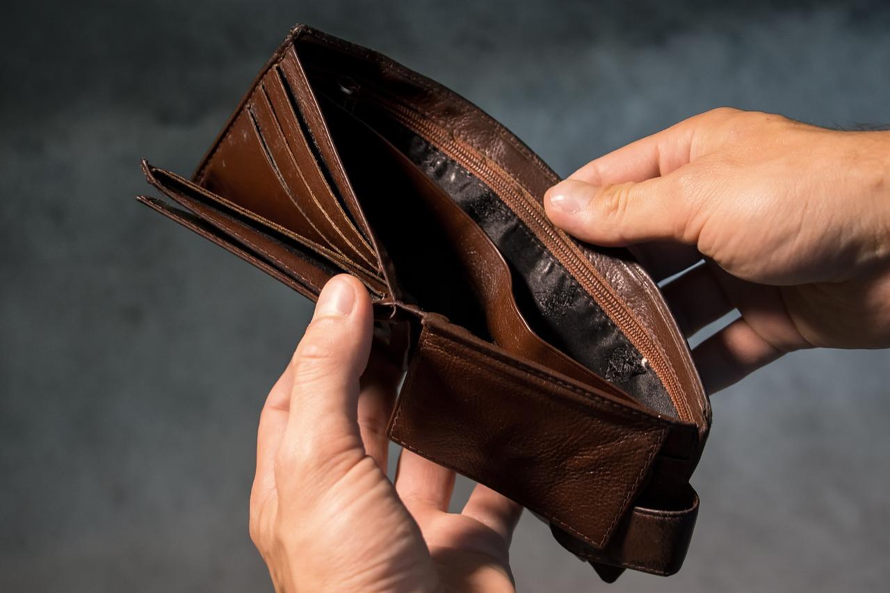 uomini donne stress finanziario