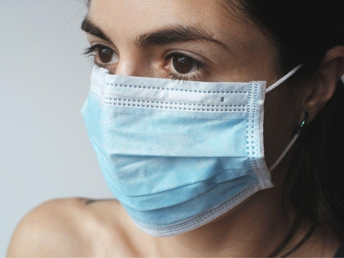 come evitare i brufoli da mascherina