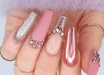 press on nails tendenza mani