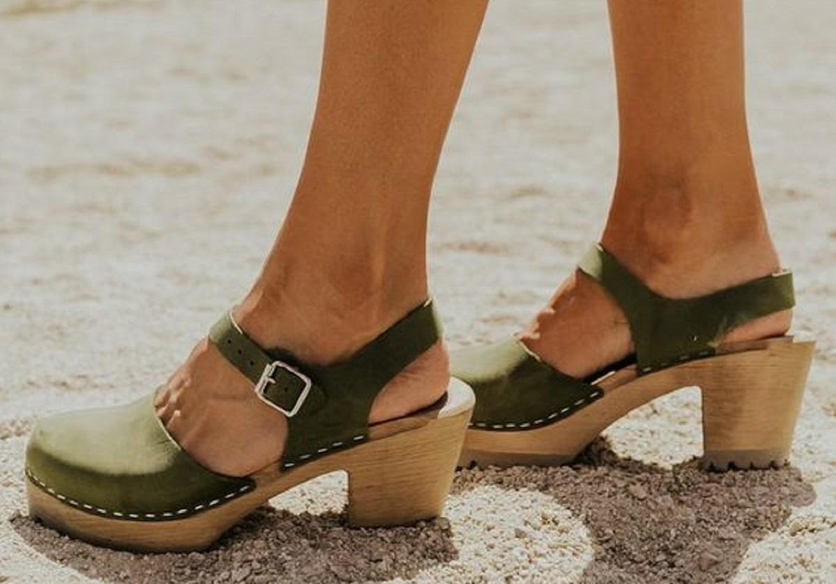 zoccoli in legno trend estate 2021