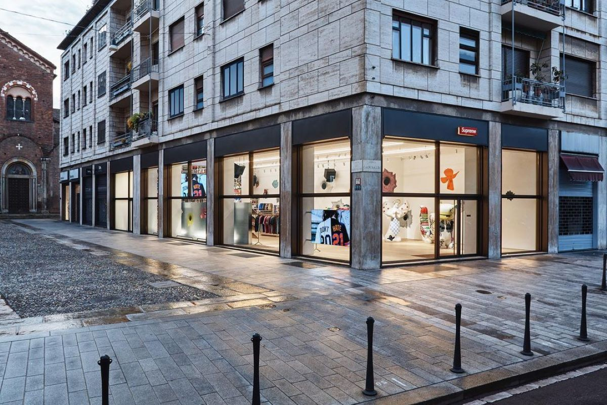 Supreme Milano store