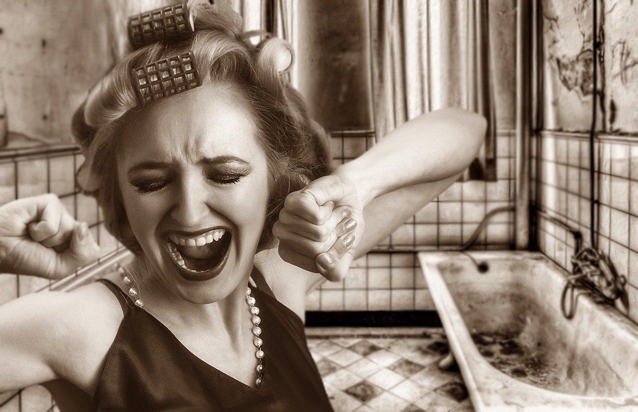 Come asciugare i capelli in modo veloce