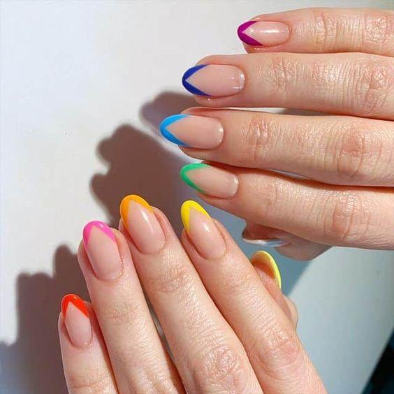 french manicure colorata